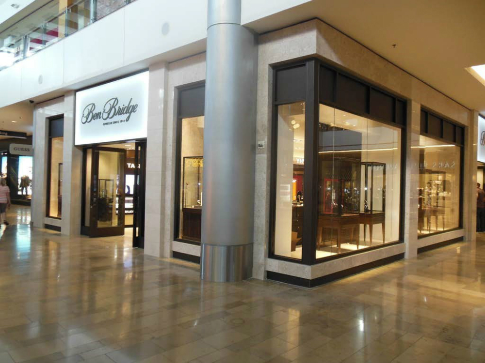 Ben Bridge - Jewelry Showcases - Retail Store Fixtures - 01