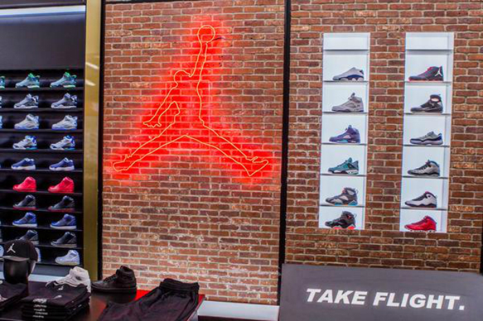 Shoe Retailers Flagship Store