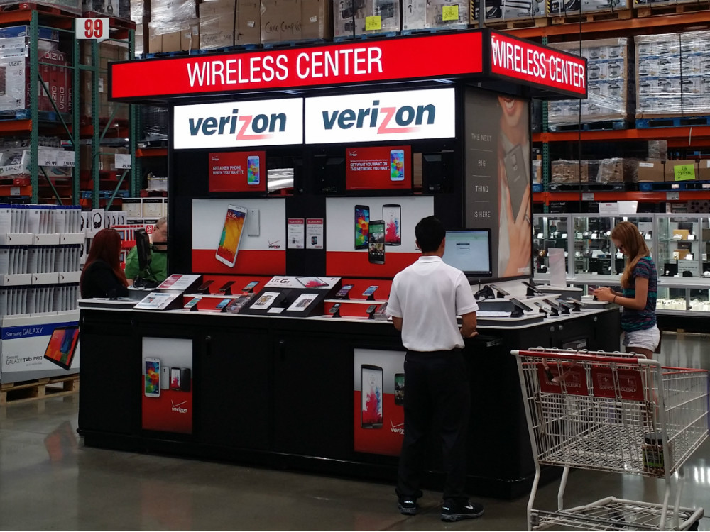 Costco Cell Phone Kiosk - 03
