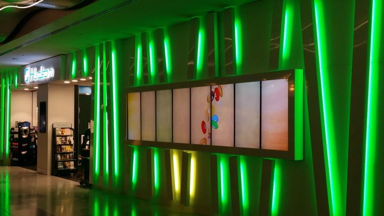 Green Storefront LED Retail Lighting