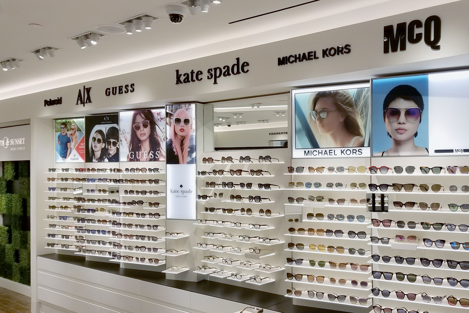 5th and Sunset Luxury Eyewaer Sunglass Displays