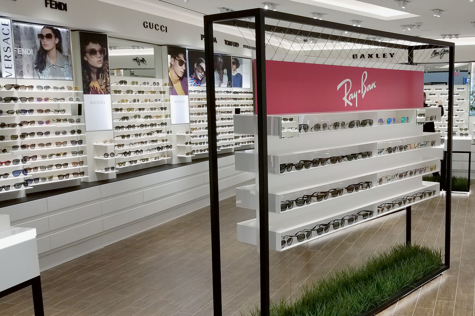 5th and Sunset Luxury Eyewaer Free Standing Displays