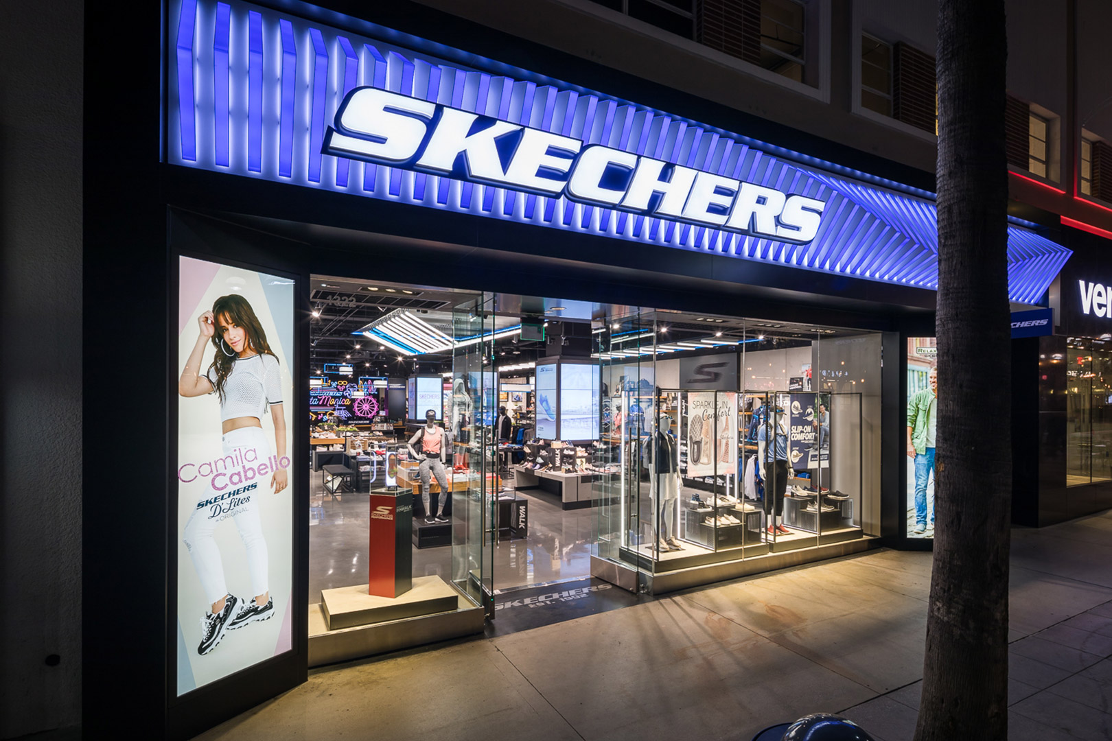 skechers santa monica